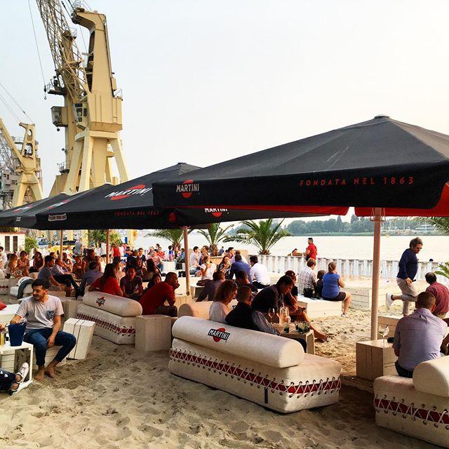 Chill modus aan in Bocadero Antwerpen #chillout #bocadero #bocaderowaagnatie #antwerpen #antwerp #citylife #belgium #strand #beachclub #zomerbar #waagnatie #lazysunday #visitantwerp